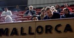 Vicenç Grande, ayer en el palco de Son Moix, a donde acudió para presenciar el partido de Copa entre el Mallorca y el Málaga.  Foto: Sebastià Llompart