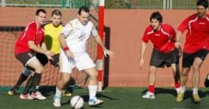 Imagen del choque Servi Sub Ibiza-La Casa del Pin, del torneo Can Misses.  L. HERRERA
