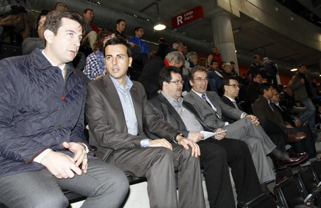 Javier Lozano en el palco del Palma Arena
