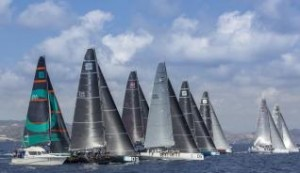 La flota de embarcaciones, durante los entrenos.