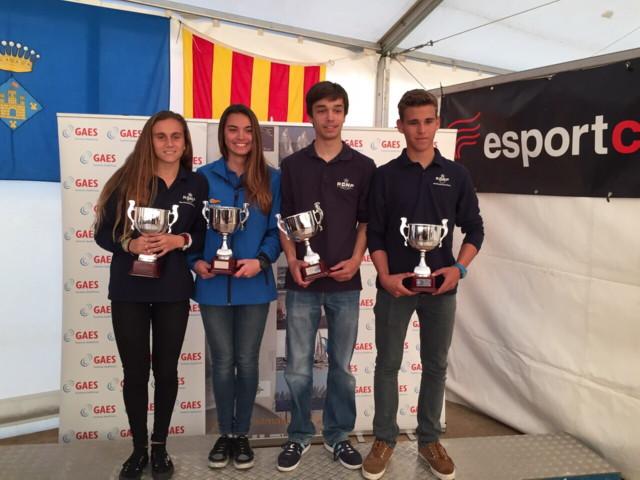 Segunda victoria en una regata internacional de la tripulación de 420 del RCNP tras su triunfo en el Ciutat de Palma - Regata Redexis Gas. María Bover y Margarita Alba consiguen la plata en la categoría femenina de la misma clase.