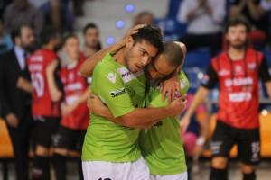 Taffy y Attos en el partido ante el Zaragoza