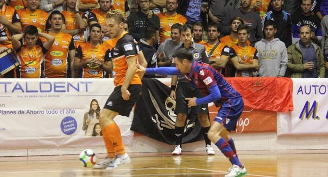 Lance del encuentro entre Aspil Vidal Ribera Navarra y Levante UD FS