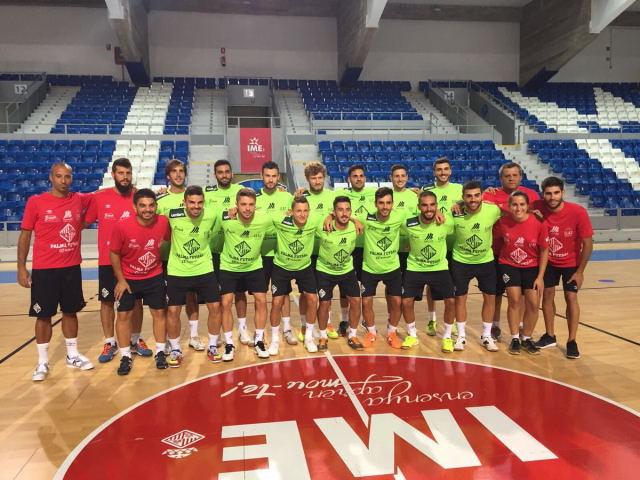 La plantilla del Palma Futsal posa en Son Moix