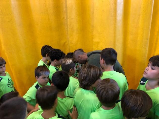 Vadillo visitó a los niños del campus de Alcúdia
