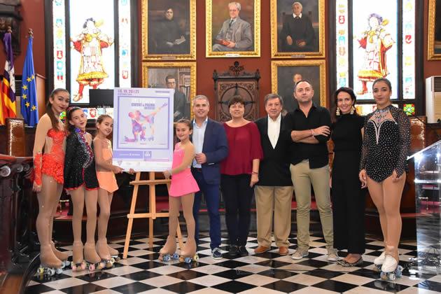 A l'acte de presentació han assistit també el director general d'Esports, Sergio Rodríguez, la regidora del grup municipal popular, Lourdes Bosch, el regidor del grup municipal Ciutadans, Bartomeu Cañellas i un grup de patinadores entre les quals es trobaven l'actual campiona de Balears, la campiona d'Espanya i la campiona de la copa d'Europa per parelles.  Les tres jornades del Trofeu es duran a terme al Pavelló Joan Seguí de Son Rapinya i arrencaran aquest divendres a les 15 hores amb els entrenaments oficials.  Dissabte, de 9 a 14 h es durà a terme la competició del nivell aptitud-iniciació i de 16 a 21.30 hores l'absoluta autonòmica i elit. El diumenge la competició es desenvoluparà entre les 9 i les 10,35 hores a càrrec dels esportistes d'elit en la resta de categories, sènior, junior, juvenil, només dansa i parelles de dansa. Finalment, a partir de les 11 hores, començarà la desfilada dels participants, la cerimònia de cloenda i el lliurament de trofeus i medalles als guanyadors en totes les categories. Els patinadors i patinadores estan repartits en quatre categories: 80 en Elit Nacional, 39 en Absoluta Autonòmica (nivell intermig), 157 en aptitud-iniciació (per a iniciats), i 59 en principiants, que varen competir el passat 6 d'octubre.  El jurat del Ciutat de Palma està integrat per tres jutges nacionals (de Catalunya i Balears), tres autonòmics de Balears i dos de Catalunya, a més d'un altre en pràctiques. També n'hi haurà dos calculadors autonòmics i un anotador de Balears. El cost del bonus per a les tres jornades és de quinze euros per als adults i de cinc euros per als infants.
