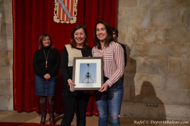 Homenaje a Cata Coll del Govern Balear