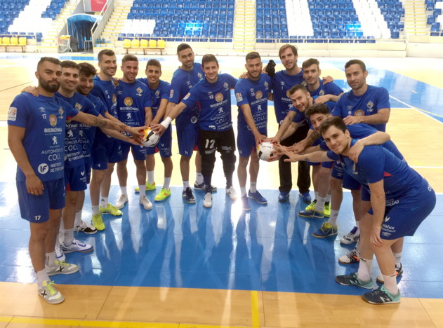 El Palma Futsal posa en Son Moix antes del duelo de este sábado