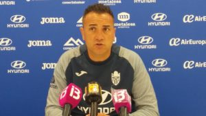 Rueda de prensa de Jordi Roger entrenador del At Baleares
